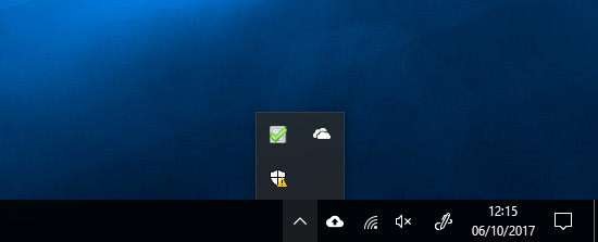 The Windows taskbar with missing battery icon